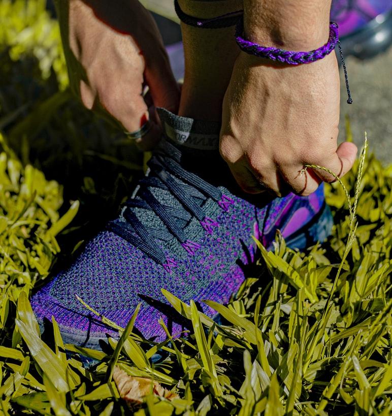 manieren om schoenveter strikken